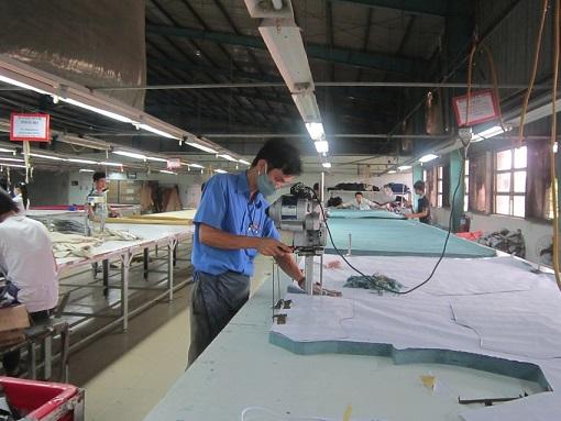 Xưởng may gia công quần áo nhận may theo mẫu số lượng ít